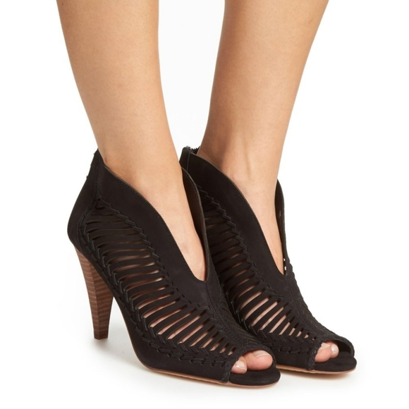 Vince Camuto Shoes   Vince Camuto Acha